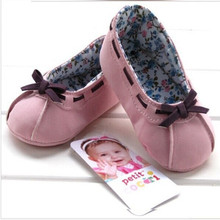 Free shipping 2017 new European fashion brand of high quality export super cute toddler shoes infant shoes, home crawling shoes(China)