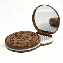 S01359 Creative Chocolate Sandwich Biscuit Makeup Mirror Portable Folding Cosmetic Mirror with Comb Make Up Tool FS(China)