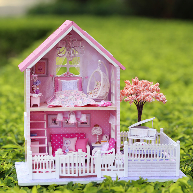 Casa delle bambole in legno usata stunning casette in legno ikea con case prezzi mobili usate - Casa delle bambole ikea ...
