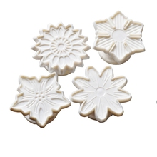 3D Flower Cookies Fondant Mould Cutter 4Pcs/Set Biscuit Plunger Pastry Dough Shaper Home Cake Baking Decor Tools Accessories(China)