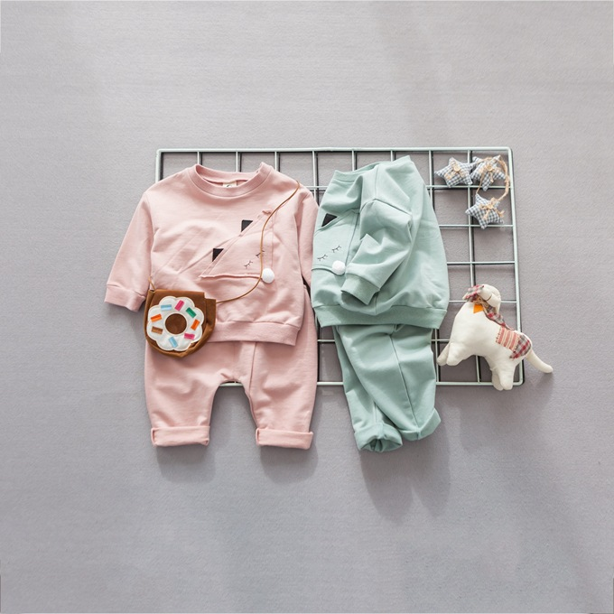 2017 Fashion Spring Childrens Suit Round Neck Triangle Embroidery Jacket Two-piece Suit YD091<br>