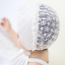 ADOMI Hot New Style Beautiful 2017 New Korean Small Plum Lace Cool Baby Caps Baby Hats Cotton Cloth Palace Hat Photography Props