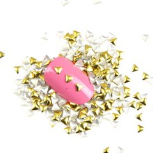 1000Pcs/Lot Women Cheap Nail Gel  Gold 3D Glitter Metallic Nail Tools Universe Stickers Triangle Shape Punk Rivet Studs WY333