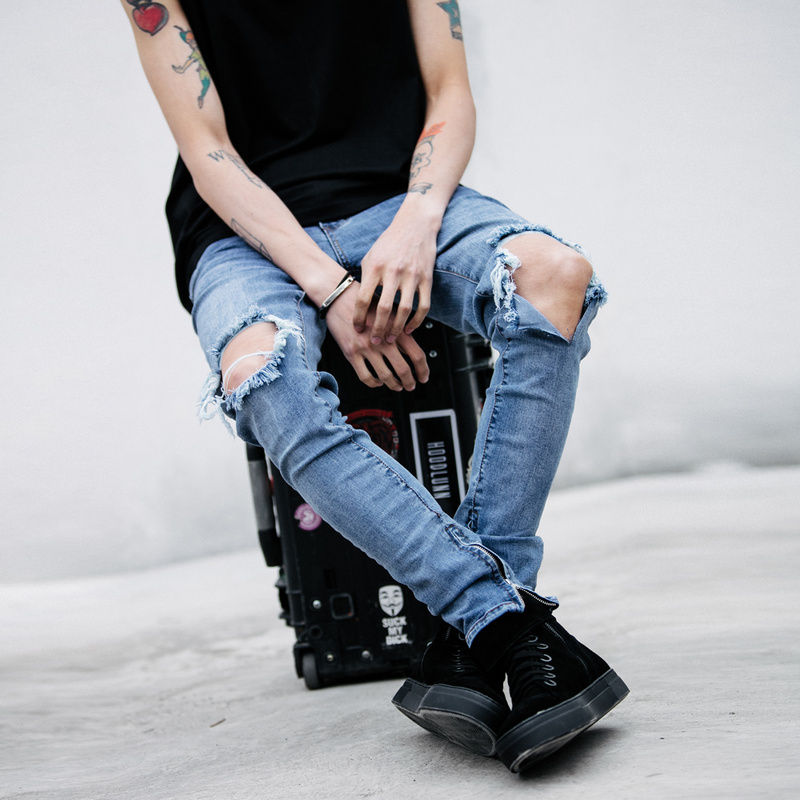 2017 New Fashion Slim Mens Pencil Pants Ripped Denim Pants for Men Cool Jeans CottonОдежда и ак�е��уары<br><br><br>Aliexpress