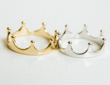 Fashion simple design crown ring,Gold-color crown rings for women wholesale free shipping