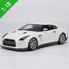 Bburago 1/18 Nissan GTR R35 Diecast Car Model Toys Collection For Baby Birthday Gifts Toys Original Box Free Shipping(China)