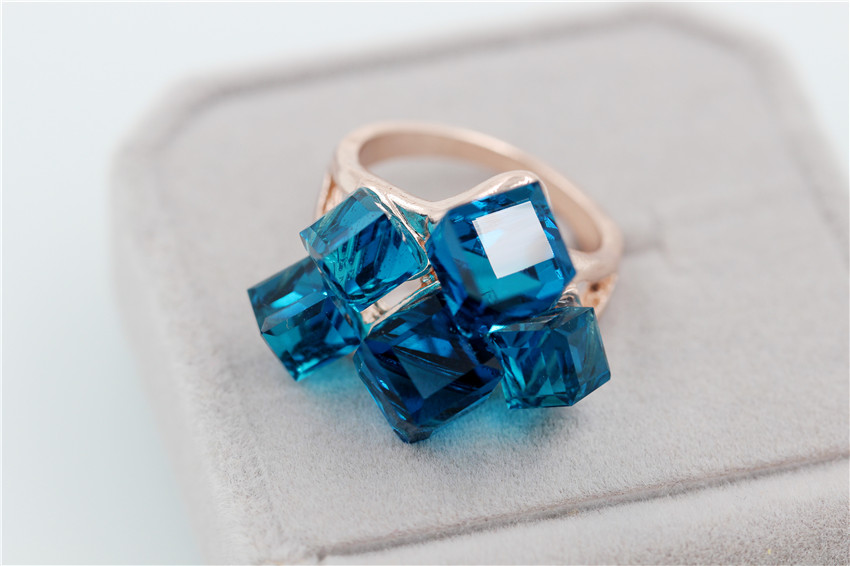 50% off Ladies Fashion Blue Engagement Rings for Women Luxury Vintage Cristales Ring with Stones Anneaux Pour Les Femmes GR123 23