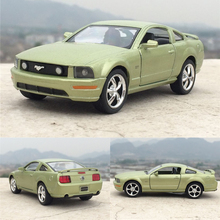 New 1:38 2006 Ford Mustang GT Diecast Metal Alloy Car Model Toy With Pull Back Car As Gift For Kids Toys Free Shipping(China)