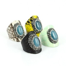 2017 New Brand Vintage Pattern Python Leather Bague Rings Inlay Rhinestone Rings Natural Gem Stone Shell Anel Masculino Gift