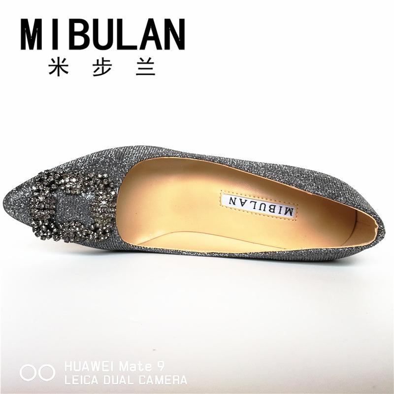 HTB1S7BQRVXXXXaYapXXq6xXFXXX0 - Free Shipping classic silk stain diamond buckle wedding heels, female shining silk stian buckle big size party pumps, 33-43