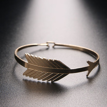 1 Pcs New Summer Women Leaf Wristband Cuff Bangles Simple Bracelet Fashion Jewelry Nice Gift For Women Three Color