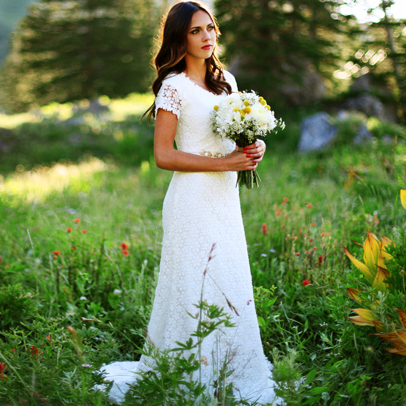 Short Western Style Wedding Gowns