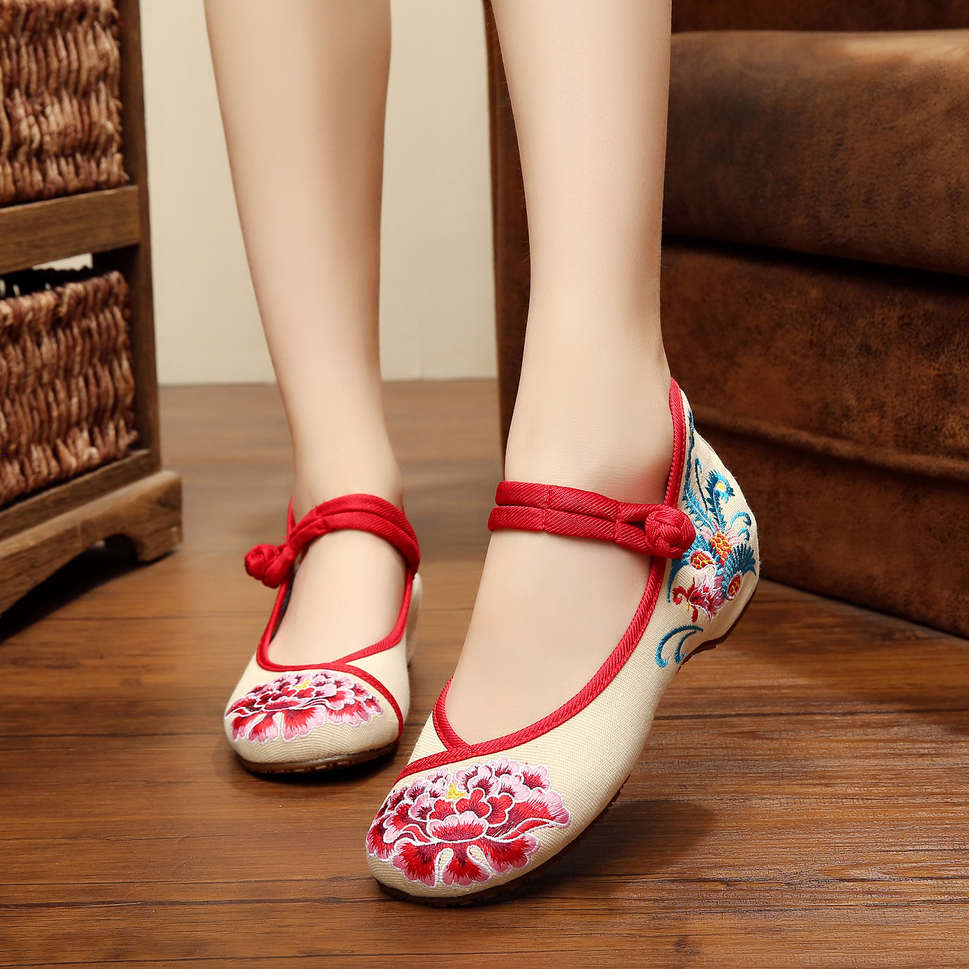 New fashion Peony rosefinch embroidered Vintage exquisite canvas Casual Simple women shoes Comfort ladies walking shoes<br><br>Aliexpress