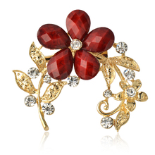 New Fashion Euro Gold Alloy Resin Female Brooch Flower shape jewelry mixed Rhinestone Women Brooch For Wedding Free shipping(China)