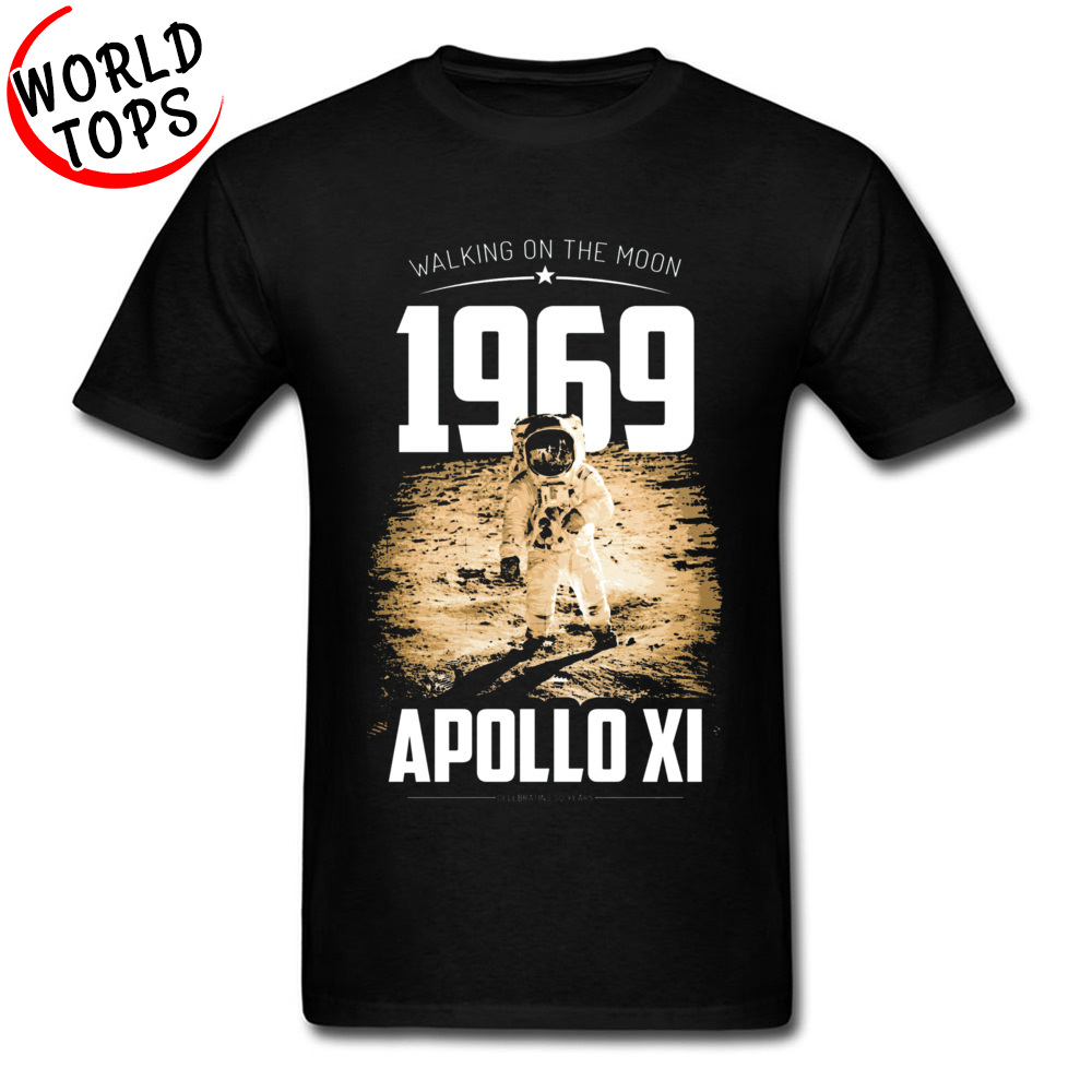 Men T-shirts Europe Funny Tops Shirts 100% Cotton Fabric O Neck Short Sleeve Summer Tee-Shirts Fall Drop Shipping Apollo 11 1969 Moon Walk Astronaut 50 Year Ann black