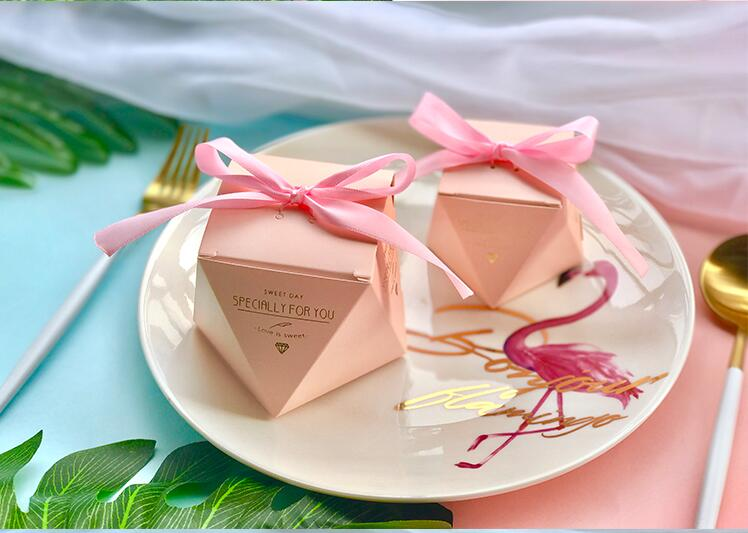 New PinkRedBule Diamond Shape Baby Shower Candy Boxes Wedding Favors and Gifts Boxes Birthday Party Decoration for Guests (9)