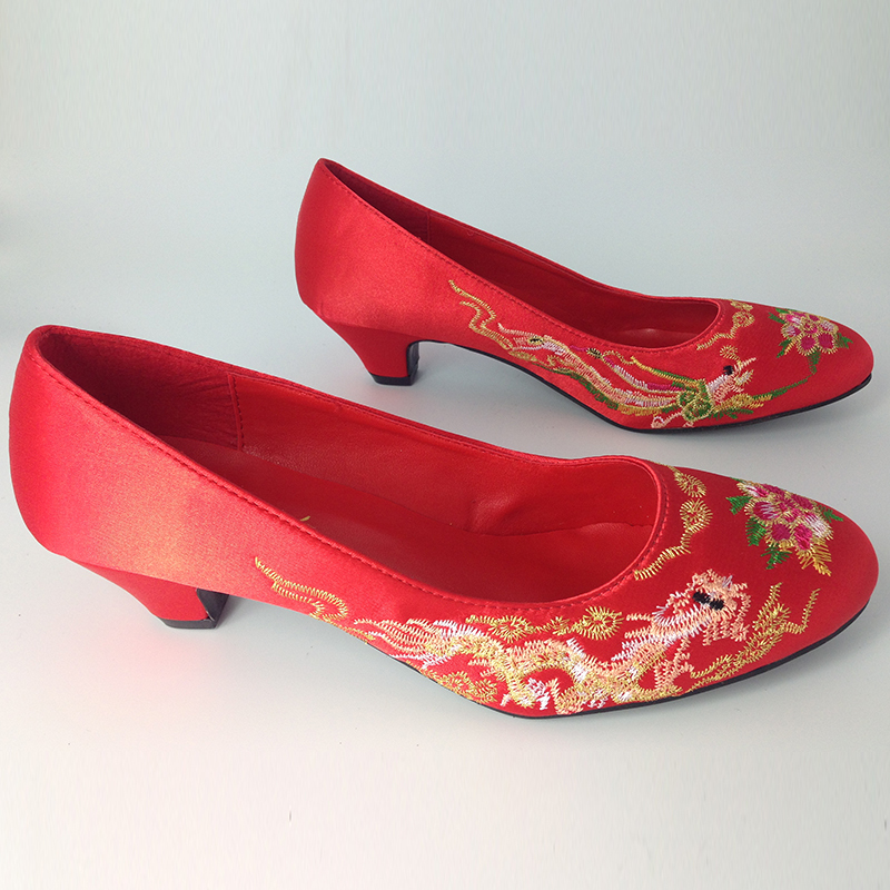 Traditional cheongsam chinese style dress vintage embroidered wedding shoes bridal shoes red Pumps<br><br>Aliexpress