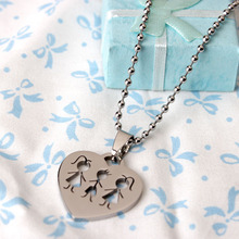 2015 New Products Stainless Steel Family Pendant Necklace Charm Necklace Heart Sharp Two Sister And One Brother With Chain(China)