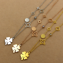 fashion flower women clover Pendant Necklace female Korean OL women's  are not allergic to grass clavicle Four star chain 15