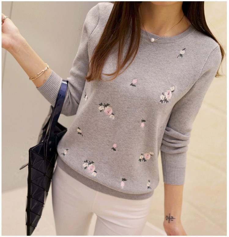 S-3XL New Youth Women's Sweater Autumn Winter 17 Fashion Elegant Peach Embroidery Slim Girl's Knitted Pullover Tops Female 9