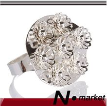 12 Pcs/lot Many Flowers Metal Napkin Rings For Wedding Silver Napkin Holders For Table Ornaments(China)