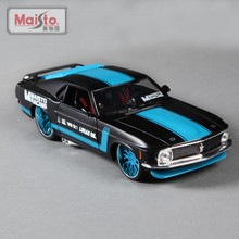 1:24 Scale New 1970 Ford Mustang Boss 302 Metal Die cast Race Vintage Style Model Miniatures Car Toy For Kids Gifts Collectible