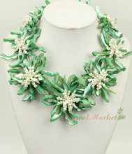 N14121617 green MOP shell white FW pearl flower necklace