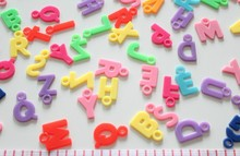 set of 300pcs ABC Letters Numbers Plastic Alphabet Bracelet Charms pendants Jewelry Game Pieces mixed colors(China)