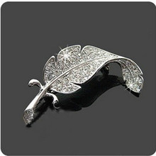 2016 Korean Version Of The New Fashion Sweater Fine Crystal Brooch Feather Brooch Silver Simple Costume Jewelry Wholesale