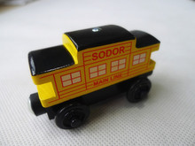 KK01--Thomas & Friends Wooden Magnetic Train Sodor Caboose Yellow Loose New