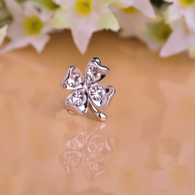 Fashion Four Leaf Clover Brooch Pin Lucky Stuff Austrian Rhinestones Flower Brooches Corsage Silvery Women Accessories