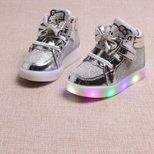 2017 New Spring Autumn Winter Children's LED Sneakers Kids Shoes Chaussure Enfant Hello Kitty Girls Shoes With LED Light