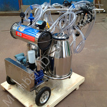 Double Stainless Steel Bucket Vacuum Pump Mobile Milking Machine for Milking Cows/Goats/Sheeps