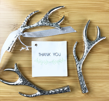 Free Shipping 100pcs/lot Antler Bottle Opener in white Organza Bag Wedding Party Favor guest present gift