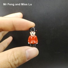 Funny Mini Etiquette Soldiers Figure Resin Model Toy Kid