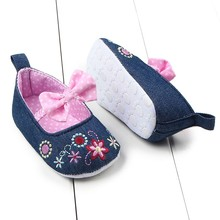 Cheap! born Babys Infants Girls Socks Toddler Soft Sole Crib Shoes Prewalkers 0-12M(China)