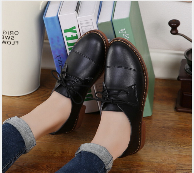 Genuine Leather  Oxford Shoes For Women Pointed Toe Nurse Work shoes Spring Autumn Flat  Casual mother shoes Women Loafers  2017<br><br>Aliexpress
