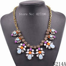 Fashion 2017 Cheap Gold Chain Flower Crystal Statement Pendant Elegant Women Necklace Jewelry For Ladies In Europe Market