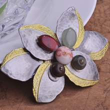 2015 New Style Classical Antique Silver Colored Stone Flower Corsage Wild Design Scarf Brooch Brand Name Cheap Costume Jewelry