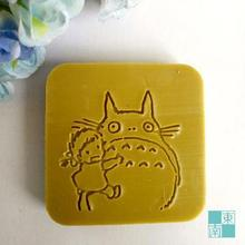 Free shipping Lovely Girl Cat Totoro Soap Chapter Natural Soap Handmade Soap Mini DIY Soap Stamp 5cm*5cm