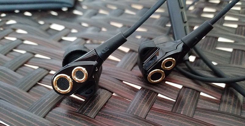 UiiSii BA-T8 Dual Dynamaic Drive Earphones HiFi Super Bass In Ear Headphone with Microphone Volume Noise Cancelling for Xiaomi