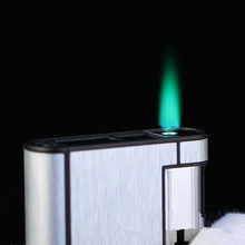 High-Grade Wire drawing metal 8 pcs cigarette box Creative personality green flame lighter with cigarette case men lighter gifts
