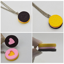 New Best Friend BFF Forever Friendship Lover Gifts 2pcs/set Resin Black Chocolat Cookie Necklace Puzzle Food Design Men Women