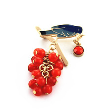 Fashion brooch 2015 New fashion temperament of pure and fresh and contracted joker birds drip grapes brooch jewelry sets