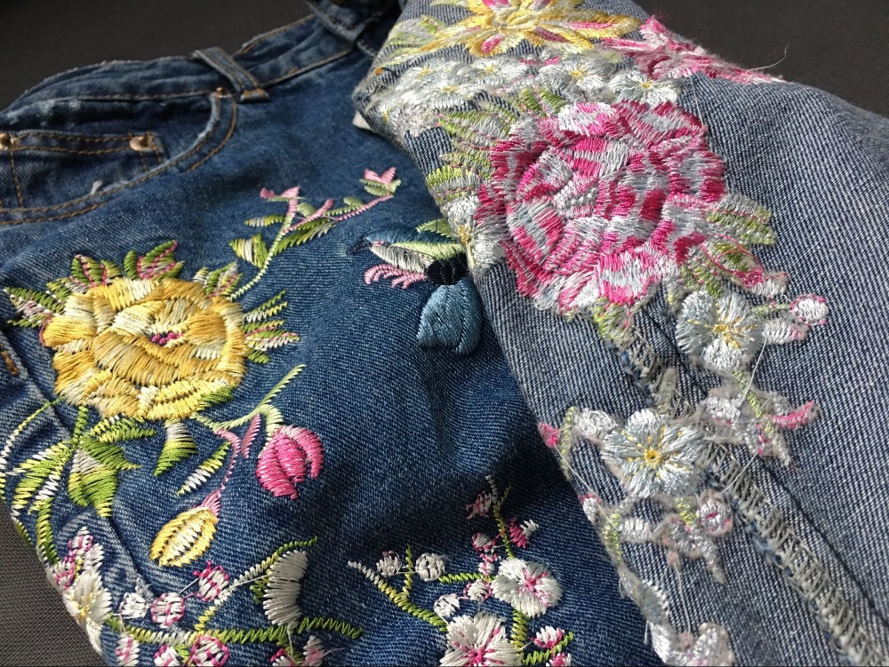2017 Europe and the United States women's three-dimensional 3D heavy craft bird flowers before and after embroidery high waist Slim straight jeans large code system 46 yards (21)