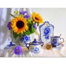 Pictures of diamonds Blue and White Porcelain sunflower pattern of rhinestones diamond embroidery flower diamond mosaic crafts