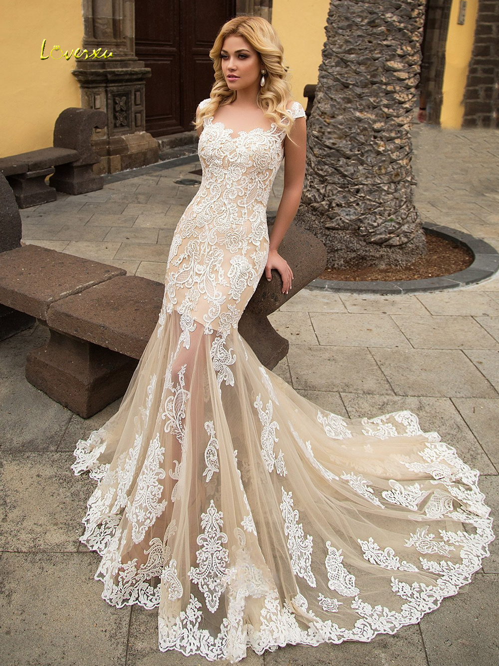 Loverxu Sexy Illusion Scoop Neck Lace Mermaid Wedding Dress 2019 Appliques Cap Sleeve Court Train Trumpet Bridal Gowns Plus Size
