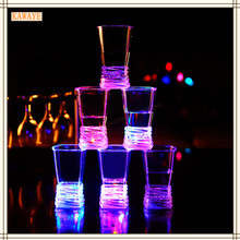 1Pcs Colorful Flashing LED Light Cup Bar Wine Glass Flask Wine Beer Bar Mug Drink Cup For Party Wedding KTV Magic Glass 5ZDZ415(China)