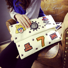The new 2017 bags envelopes head rivet badge Korean retro fashion Crossbody Bag bag original night wind tide