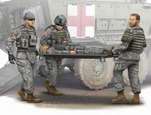 Trumpeter Model Kit - Modern US Army Stretcher Ambulance Team - 1:35 Scale 00430